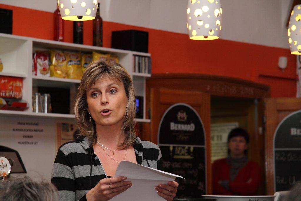 V Chomutovské knihovně (Café Atrium)